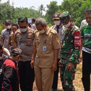Kades Nanggung Bersinergi dengan Muspika Kecamatan Nanggung Adakan Peletakan Batu Pertama